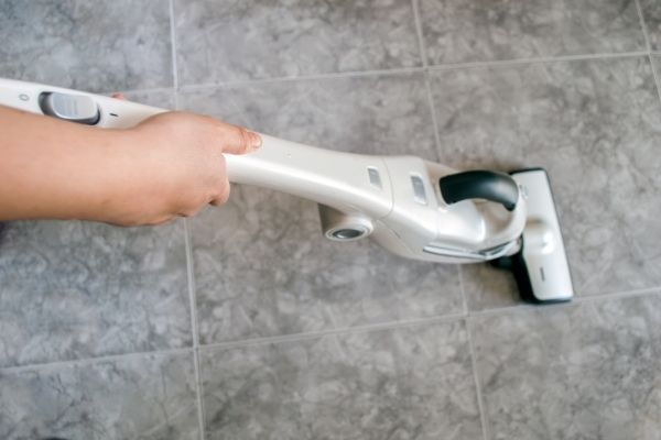 Cleaning with tile floor cleaner