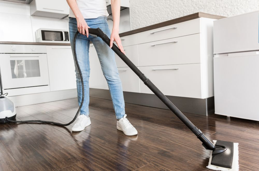 Cleaning with Bisell Steam mop