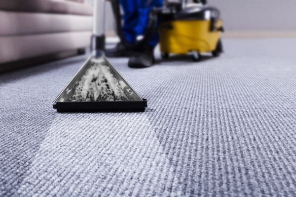 Dry cleaning carpet at home